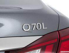 2017 INFINITI Q70L 5.6 AWD