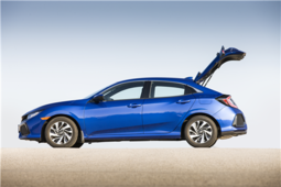 The 2017 Honda Civic Hatchback to be seen at the Montreal Auto Show - 2