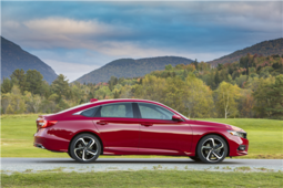 2018 Honda Accord wins two major awards in January - 3