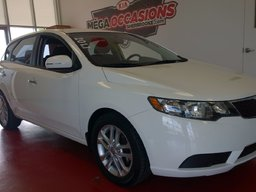 Kia Forte 5-Door 2011 EX ** TOIT OUVRANT / BLUETOOTH ** A/C - MAGS