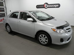 Toyota Corolla 2013 CE/ BAS KILOMÉTRAGE/ GR. ÉLECTRIQUE AVEC A/C/ SIÈGES CHAUFFANTS/ RÉGULATEUR DE VITESSE/ BLUETOOTH/ PROTÈGE-CAPOT/