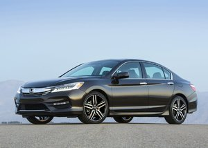 Honda Accord 2016 - Rafraîchie et prête à reprendre la route