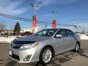 2014 Toyota Camry XLE LOADED..LEATHER..GPS/NAV..POWER ROOF..BACKUP CAM..SATELLITE RADIO!!