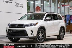 2017 Toyota Highlander SE - AWD **IMPECCABLE** TRÈS ÉQUIPÉ! CAMÉRA! GPS! CUIR!DÉMARREUR! BLUETOOTH! MAGS! TOIT OUVRANT!