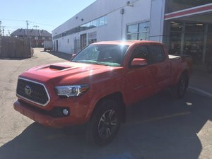 2018 Toyota Tacoma SR5 AVAIALBLE TO LEASE OR FINANCE!!! Payments as low as 129.88$ plus taxes/ week