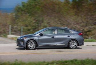 A few 2017 Hyundai IONIQ reviews
