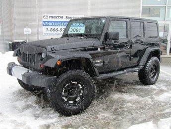 Jeep Wrangler Unlimited 2011 Sahara 4X4 2 TOITS