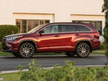 Three things to know about the 2017 Toyota Highlander