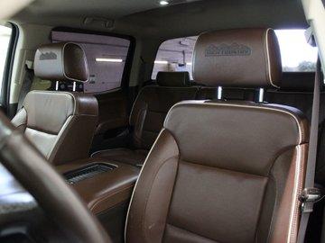 2016 Chevrolet Silverado 2500 HD High Country 6.6L DUARMAX DIESEL 4X4 CREW CAB