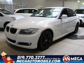 BMW 323i RWD 2011