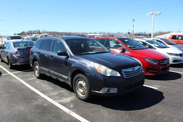 Subaru Outback Premium AWD + PZEV + 8 MAGS + SIEGES CHAUFFANTS 2010