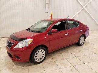Nissan Versa 1.6 SV *AUTO, A/C, GR. ELECT.* 2012