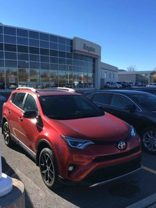2016 Toyota RAV4 AWD SE BOXING WEEK CLEARANCE!!