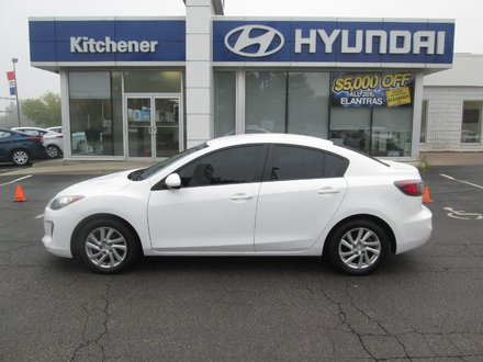2012 Mazda 3 GS // AUTO // ONE OWNER  // AC // POWER GROUP //