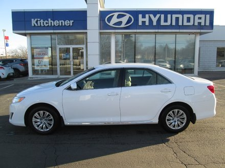 2014 Toyota Camry LE // AUTO // AC // POWER GROUP // BACK UP CAMERA/