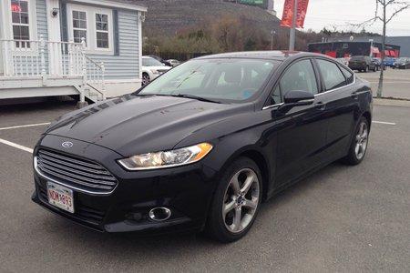 2014 Ford Fusion SE- ALL WHEEL DRIVE