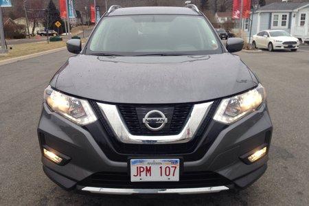 2017 Nissan Rogue SV!  $213  B/W