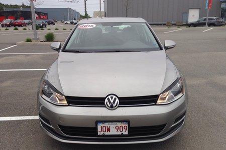 2016 Volkswagen Golf TRENDLINE- $136 B/W