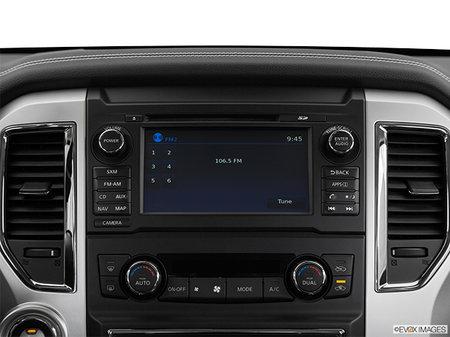 Nissan Titan XD Gas PRO-4X 2018 - photo 1