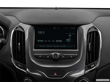 Chevrolet Cruze Hatchback LS 2019 - photo 2