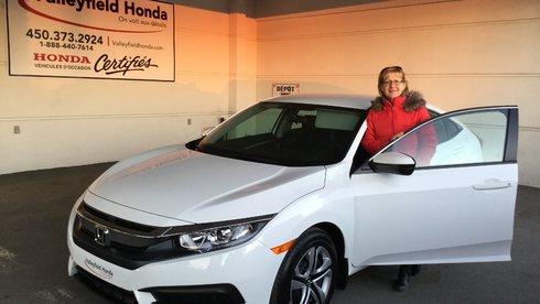 Mon 3e véhicule Honda Civic et j'ai toujours été satisfaite.