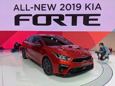 La Kia Forte 2019 se montre le nez à Détroit et Montréal