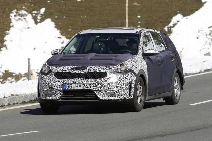 Kia Niro: Le petit SUV hybride bientôt révélé.