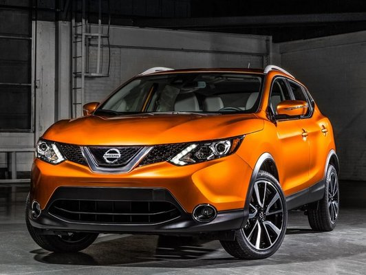 Comment choisir entre le nouveau Nissan Qashqai 2017 et le Toyota C-HR