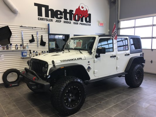 groupe auto qu bec jeep wrangler unlimited sport 4x4 146 inclus 2016 vendre qu bec. Black Bedroom Furniture Sets. Home Design Ideas