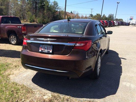 2013 Chrysler 200 LX (4/9)