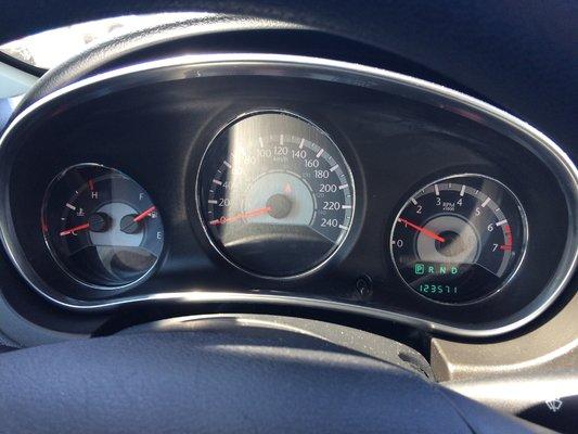 2013 Chrysler 200 LX (8/9)