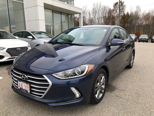 2017 Hyundai Elantra GL (1/11)