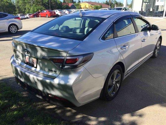 2016 Hyundai Sonata Hybrid Hybrid (2/8)