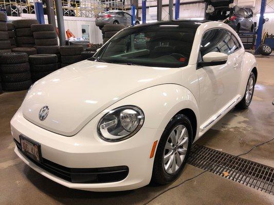 2012 Volkswagen Beetle (1/5)