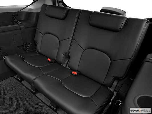 Nissan <span>Pathfinder LE 2012</span>