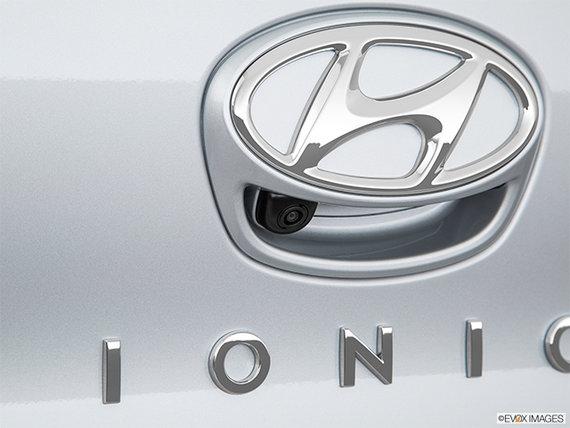2017 Hyundai IONIQ electric LIMITED