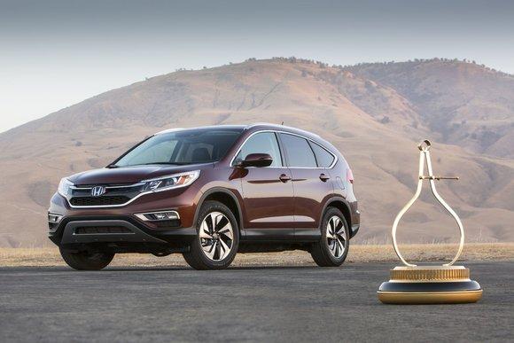 Le Honda CR-V couronné Véhicule Utilitaire Sport de l'année 2015 par Motor Trend
