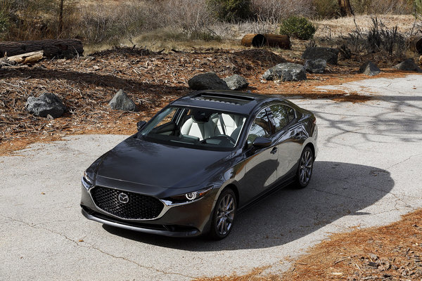 2019 Mazda3 vs 2019 Honda Civic Comparison