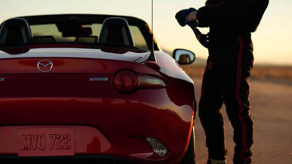 2016 Mazda MX-5: Agility Redefined