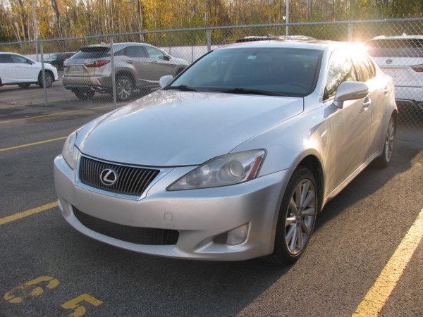 2010 Lexus IS 250 AWD / *$11,995 / tres propre