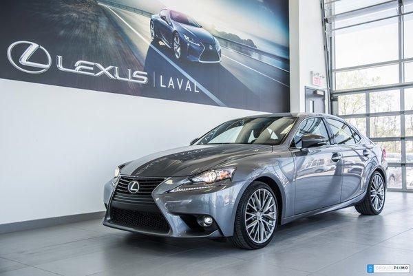 Lexus IS 300 AWD TOIT OUVRANT + CUIR +CAMÉRA 2016