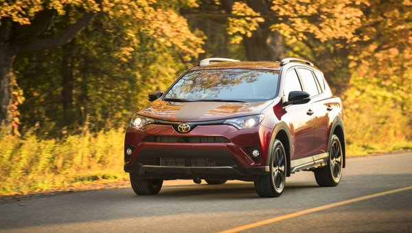 The 2018 Toyota RAV4 will blow your hair back in Laval, Quebec