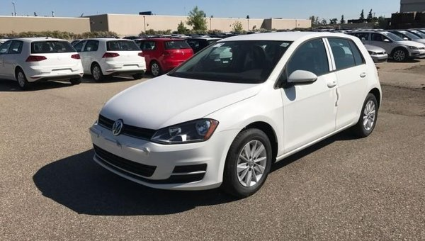 2017 Volkswagen Golf Trendline  - $151.75 B/W