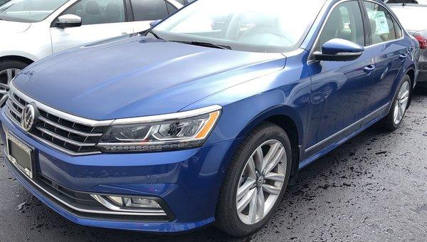 2017 Volkswagen Passat Highline Auto w/ Driver Assistance Pkg.