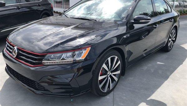 2018 Volkswagen Passat GT V6 Auto w/ Navigation