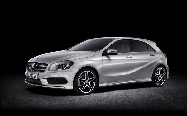 Mercedes-Benz présente sa plus petite voiture de grand luxe, la Classe A 2012