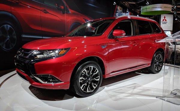 Le Mitsubishi Outlander PHEV 2018 arrive bientôt!