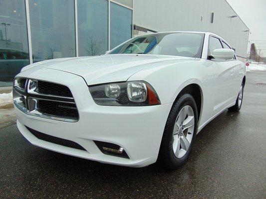 2011 Dodge Charger SE DEAL PENDING AUTO AC V6