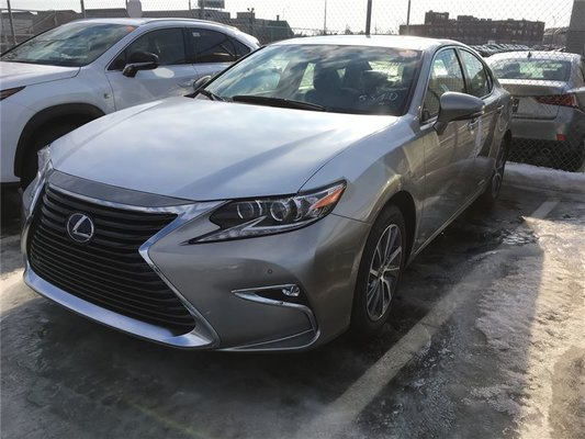 new 2017 lexus es 300h for sale in montreal groupe spinelli in montreal quebec. Black Bedroom Furniture Sets. Home Design Ideas