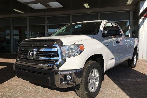 Toyota Tundra SR5 Plus 5.7L V8 2017